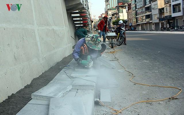 Toàn cảnh cầu vượt hơn 300 tỷ đồng ở Hà Nội sắp khánh thành - Ảnh 15.