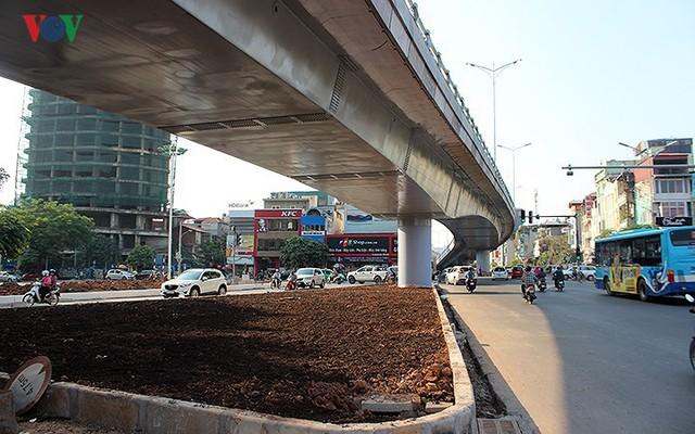 Toàn cảnh cầu vượt hơn 300 tỷ đồng ở Hà Nội sắp khánh thành - Ảnh 3.