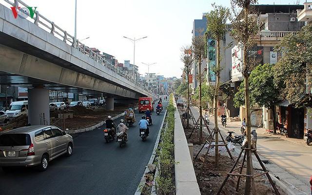 Toàn cảnh cầu vượt hơn 300 tỷ đồng ở Hà Nội sắp khánh thành - Ảnh 4.