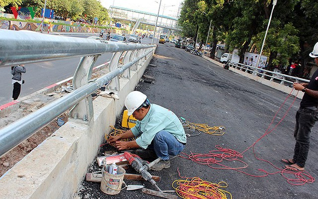 Toàn cảnh cầu vượt hơn 300 tỷ đồng ở Hà Nội sắp khánh thành - Ảnh 7.