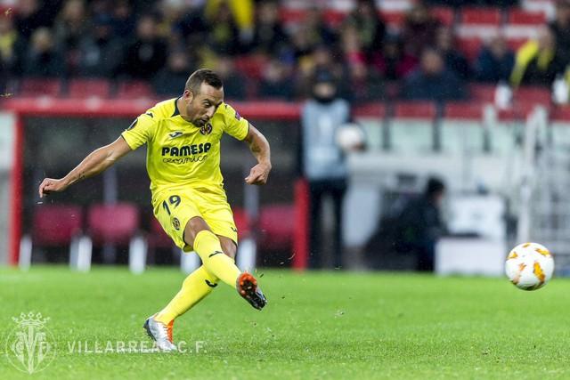 Từ chỗ suýt phải cưa chân, tiền vệ kỳ cựu người Tây Ban Nha nỗ lực thần kỳ để trở lại sân cỏ và ghi bàn thắng quý giá nhất cuộc đời - Ảnh 1.