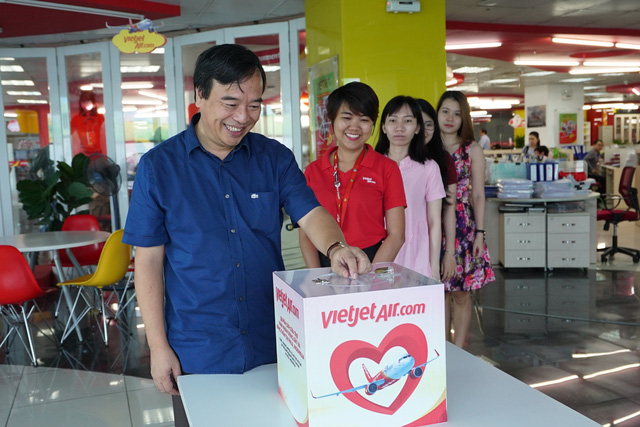 Chuyến bay cứu trợ nạn nhân động đất - sóng thần của Vietjet đã tới Indonesia - Ảnh 6.
