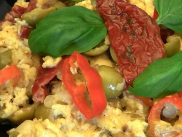 Khám phá những món trứng ngon kinh điển được dùng trong bữa sáng từ khắp nơi trên thế giới - Ảnh 4.