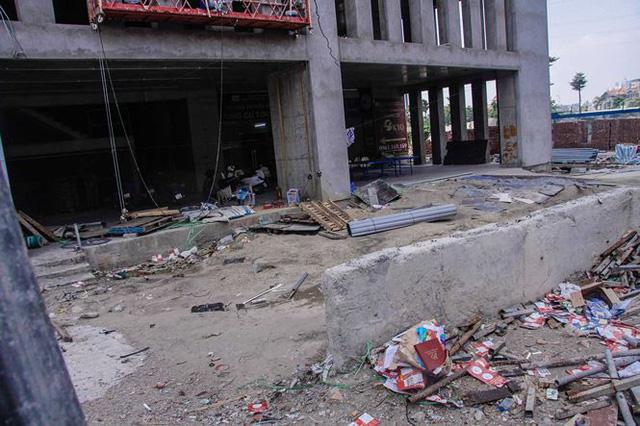 Cận cảnh tòa nhà nghìn tỷ cao thứ 3 Hà Nội bị ngân hàng siết nợ - Ảnh 10.
