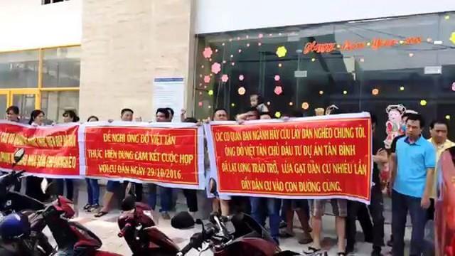 TPHCM dỡ tầng xây 'chui' dự án Tân Bình Apartment - Ảnh 1.