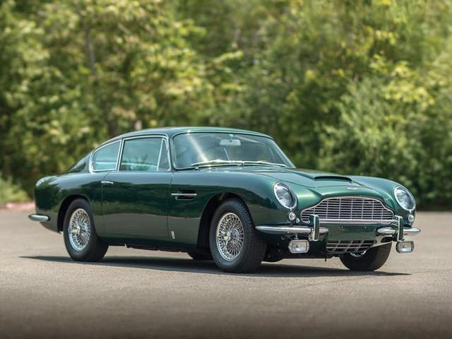 Có một sự thật bất ngờ là Nữ hoàng không có bằng lái xe nhưng bộ sưu tập xe hơi của bà khiến nhiều người phải choáng ngợp - Ảnh 21.