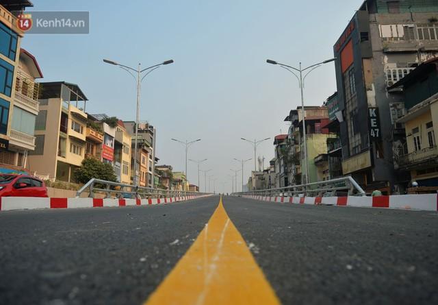 Clip, ảnh: Cận cảnh cầu vượt hơn 300 tỷ ở nút giao An Dương - Nghi Tàm trước ngày thông xe - Ảnh 5.