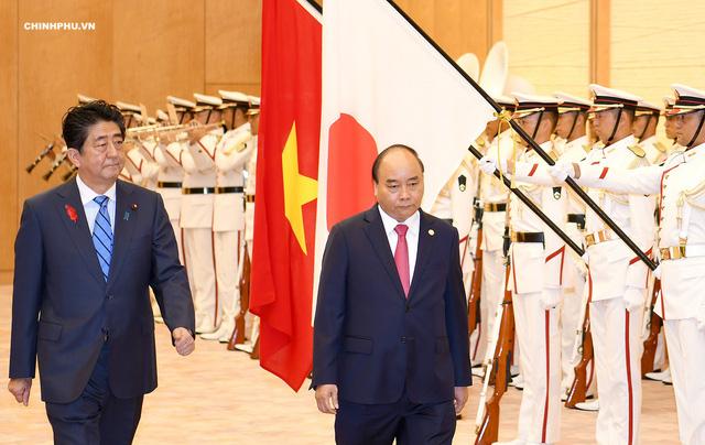 Lễ đón Thủ tướng Nguyễn Xuân Phúc thăm Nhật Bản - Ảnh 2.