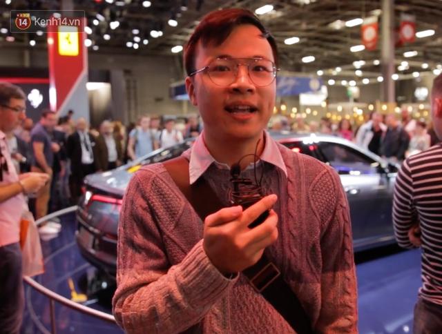 Người Việt tại Pháp tự hào và tràn đầy kỳ vọng khi sờ tận tay 2 mẫu xe của VinFast - Ảnh 8.