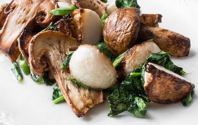 Khám phá matsutake - loại nấm đắt nhất thế giới mang trọn vẹn hương vị mùa thu Nhật Bản, 50 triệu/kg mà vẫn cháy hàng - Ảnh 8.