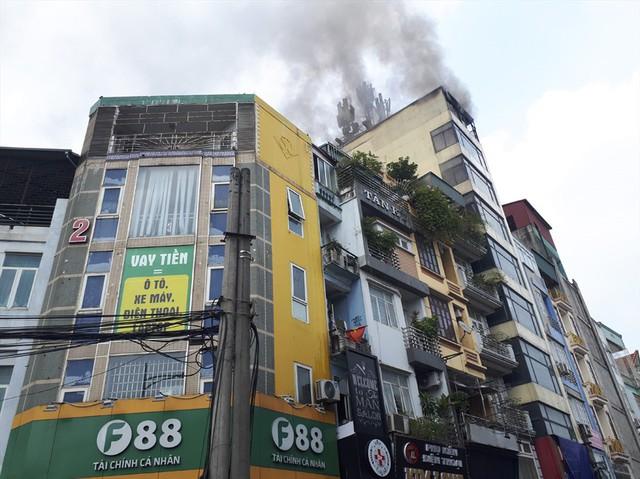 Cháy quán Karaoke trên phố Hào Nam: Do chủ nhà đốt vàng mã ngày mùng 1 - Ảnh 5.