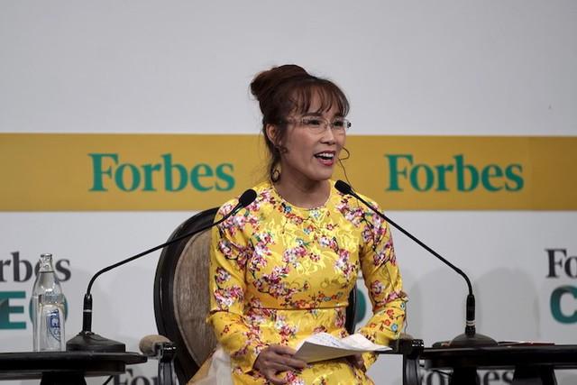 Trên diễn đàn quốc tế, nữ tỷ phú Việt nói gì với 400 CEO và nhà lãnh đạo toàn cầu - Ảnh 1.