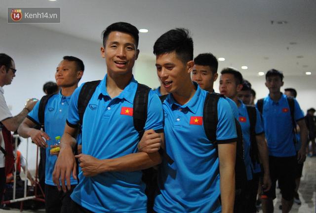 Phát hiện hai cầu thủ Việt Nam dính nhau như sam, HLV Park Hang-seo quyết định tách mỗi người ở một phòng - Ảnh 1.