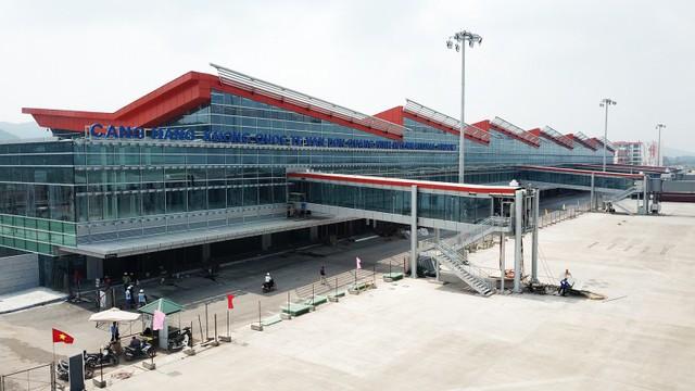 Cận cảnh sân bay tư nhân đầu tiên siêu hiện đại sắp khai thác - Ảnh 1.