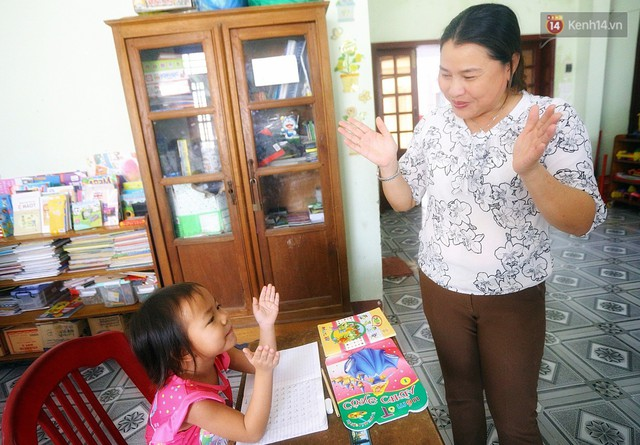 Chuyện của má Loan và những đứa con đặc biệt: Từ bỏ giảng đường, vào Hội An chăm sóc trẻ mồ côi khuyết tật - Ảnh 7.