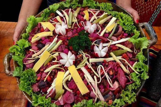Không chỉ gồm rau củ, món salad truyền thống ở các nước được chế biến cầu kì và tinh tế như thế này đây - Ảnh 10.