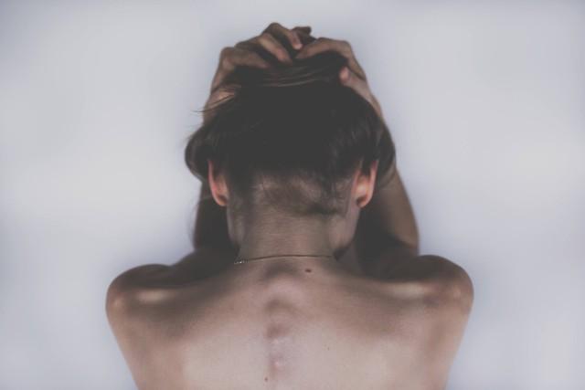 Ngủ nhiều hơn 8 tiếng/ngày khiến bạn có nguy cơ gặp phải 5 vấn đề sức khỏe dưới đây - Ảnh 1.