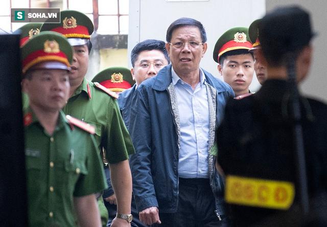 Cựu tướng Nguyễn Thanh Hóa tươi cười, ông Phan Văn Vĩnh liên tục đọc cáo trạng 235 trang - Ảnh 5.