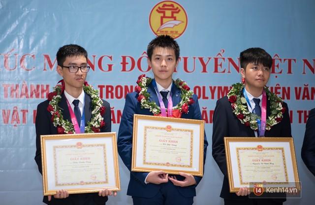 Người Việt đầu tiên giành HCV Olympic Thiên văn học Quốc tế: BTC không công nhận kết quả do lời giải hay hơn đáp án, phải phản biện giành lại huy chương - Ảnh 2.