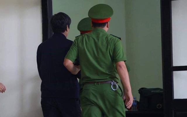 Huyết áp cựu tướng Nguyễn Thanh Hóa tăng cao khi nghe xét xử - Ảnh 1.
