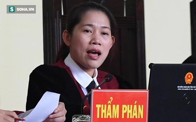 Huyết áp cựu tướng Nguyễn Thanh Hóa tăng cao khi nghe xét xử - Ảnh 2.
