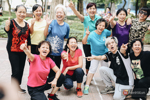 Sung như các cụ bà U80 nhảy Hip hop ở hồ Gươm: Mỗi ngày trồng cây chuối 10 cái, vừa thổi cơm vừa bật nhạc nhảy - Ảnh 18.