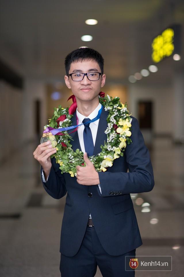 Người Việt đầu tiên giành HCV Olympic Thiên văn học Quốc tế: BTC không công nhận kết quả do lời giải hay hơn đáp án, phải phản biện giành lại huy chương - Ảnh 4.