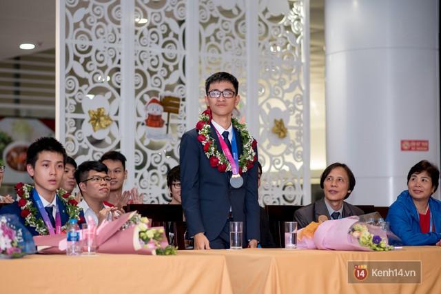 Người Việt đầu tiên giành HCV Olympic Thiên văn học Quốc tế: BTC không công nhận kết quả do lời giải hay hơn đáp án, phải phản biện giành lại huy chương - Ảnh 5.