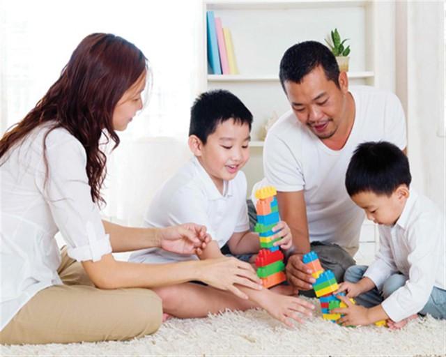 Cha mẹ nhất định phải dạy con 5 giá trị sống cốt lõi này trước 5 tuổi để trẻ lớn lên thành người tử tế, dù ở đâu làm gì cũng được yêu mến - Ảnh 2.
