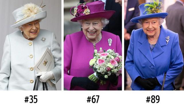 9 bí mật bất ngờ về Nữ hoàng Anh: Luôn mang theo túi máu và 1 cái móc nhỏ khi ra ngoài - Ảnh 6.