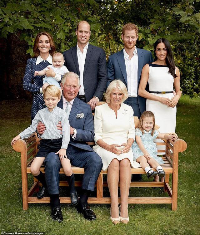 Cuối cùng, bà Camilla đã có được sự phê chuẩn của Nữ hoàng Anh, danh chính ngôn thuận lên ngôi hoàng hậu - Ảnh 2.