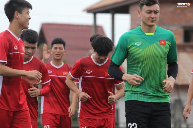 Sau trận thắng Malaysia, tuyển Việt Nam lao vào tập luyện ngay sáng nay để chuẩn bị so tài với Myanmar - Ảnh 1.