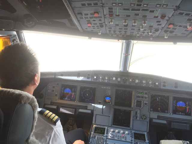Cận cảnh nghi thức phun nước đón máy bay thế hệ mới Airbus A321neo - Ảnh 12.