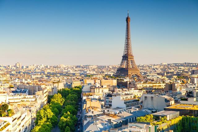 Suốt hơn 20 năm qua, Pháp là quốc gia thu hút khách du lịch nhiều nhất trên thế giới nhưng sẽ sớm bị soán ngôi bởi nước này trong tương lai  - Ảnh 1.