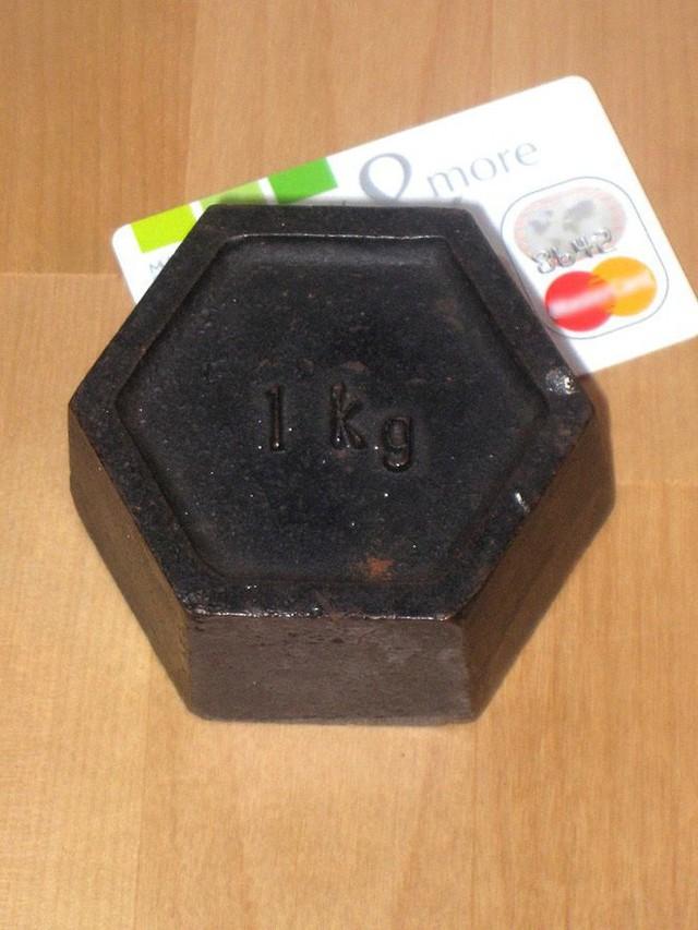 [Giải ngố] Bằng cách nào, các nhà khoa học định nghĩa lại khái niệm một kilogram? - Ảnh 3.
