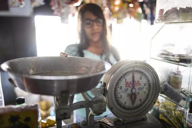 [Giải ngố] Bằng cách nào, các nhà khoa học định nghĩa lại khái niệm một kilogram? - Ảnh 4.