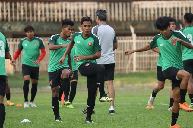 Chủ nhà Myanmar đánh lạc hướng truyền thông Việt Nam trước cuộc so tài ở AFF Cup 2018 - Ảnh 1.