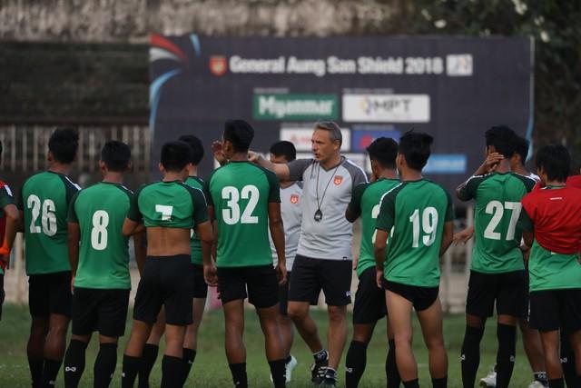 Chủ nhà Myanmar đánh lạc hướng truyền thông Việt Nam trước cuộc so tài ở AFF Cup 2018 - Ảnh 2.