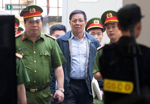 Nguyễn Văn Dương khai hàng chục lần biếu tiền các cựu tướng Phan Văn Vĩnh, Nguyễn Thanh Hóa - Ảnh 1.