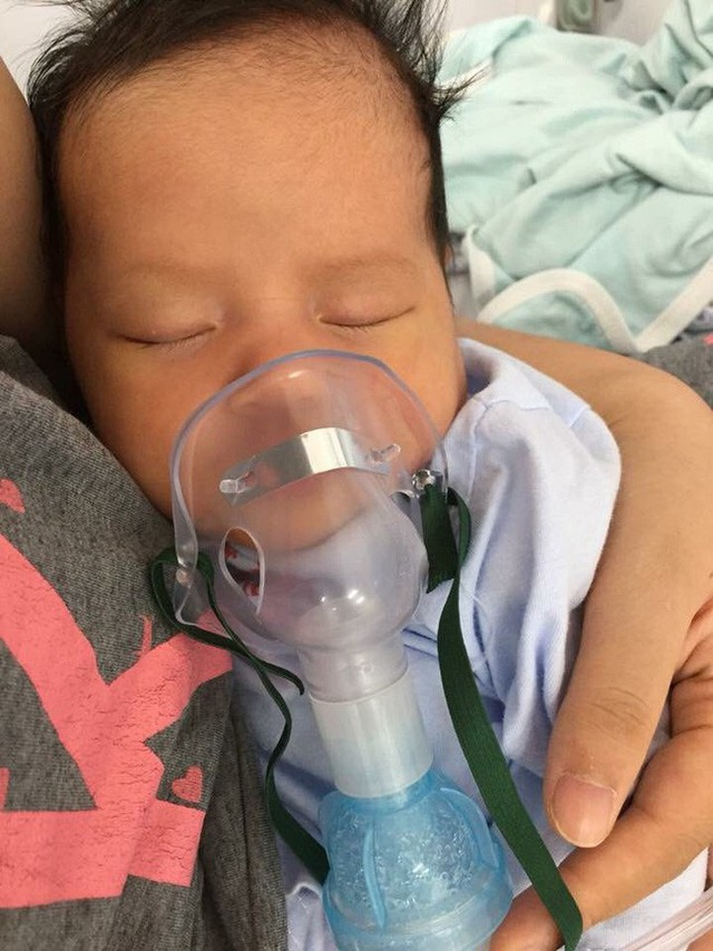 Con 13 ngày tuổi bị nhiễm virus RSV, mẹ Việt cảnh báo: Đằng sau nụ hôn là cánh cửa bệnh viện - Ảnh 2.
