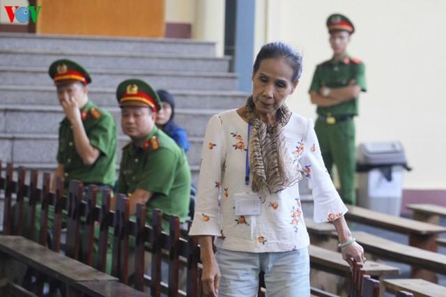 Phan Sào Nam và dì ruột Phan Thu Hương cùng khóc khi nhắc đến gia đình - Ảnh 7.