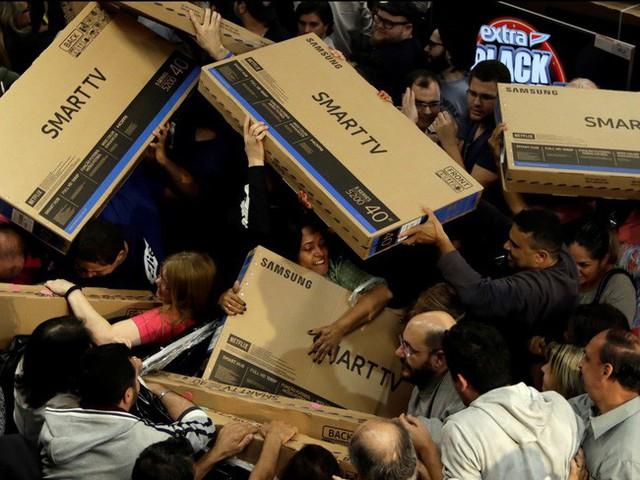 Ngày hội mua sắm Black Friday trên thế giới diễn ra như thế nào? - Ảnh 7.