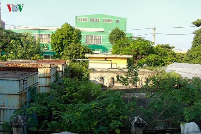 """Trạm xử lý nước thải ở Hà Nội """"đắp chiếu"""" sau 10 năm xây dựng - Ảnh 12."""