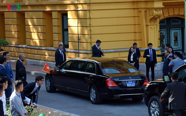 Hình ảnh lễ đón trọng thể Thủ tướng Pháp thăm chính thức Việt Nam - Ảnh 3.