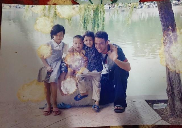Người mẹ khóc cạn nước mắt 14 năm bán nước ở bờ hồ Hoàn Kiếm để tìm con gái mất tích khi mới 9 tuổi bỏ đi sau trận đòn của bố - Ảnh 4.