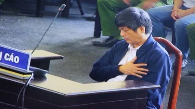 Nữ thẩm phán chặn lời khai 'lan man, không hiểu gì cả' của cựu tướng Hóa - Ảnh 3.