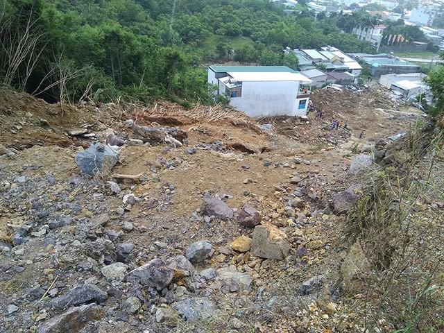 Bom nước vỡ, 4 người chết ở Khánh Hòa: Sở Xây dựng nói không có hồ bơi, chủ đầu tư nói hồ bơi là mương đón nước - Ảnh 2.