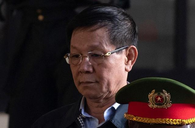 Ông Nguyễn Thanh Hóa phải đi bệnh viện - Ảnh 1.
