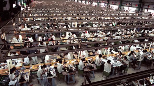Cơ hội có nhà máy iPhone tại Việt Nam và câu chuyện làn sóng di doanh nghiệp Trung Quốc sang Việt Nam lần thứ 3 - Ảnh 2.