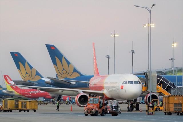 Giá dầu giảm và lợi nhuận của các hãng hàng không - Ảnh 2.